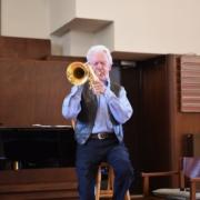Een levende jazzlegende keert weer- Ack van Rooyen